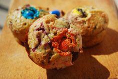 Muffiny z malinami i cukierkami M&Ms