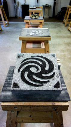 Keltische symboolsteen - element vuur - van het Weverslabyrint. Gemaakt door André van Veghel van Atelier Vandré uit de Molenstraat in Helmond.
