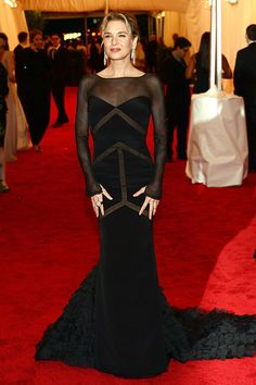 Renee Zellweger looked every bit the movie star in this sheer black Emilio Pucci gown.