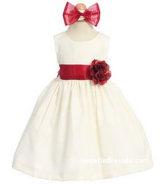 Image from http://www.sweetiedresses.com/images/product/zoom/ca519B-ivory_red.jpg.