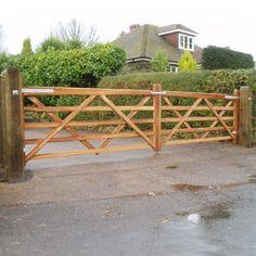 field-and-entrance-gates-premiere-iroko-450x450.jpg (450×450)