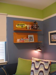 Walls with horizontal stripes stripes on this wall for Bedroom ideas for 6 year old boy