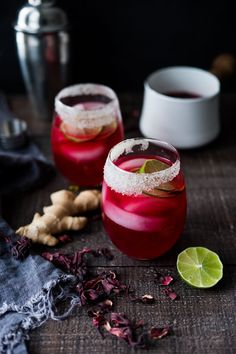 Hibiscus Margaritas with Ginger and Clove- the perfect Cinco de Mayo cocktail - refreshing, delicious and easy to make! | www.feastingathome.com