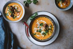 Skinny Mom Recipes, Vegan Recipes, Recipe For Mom, Thai Red Curry, Chili, Ethnic Recipes, Drinks, Drinking, Beverages