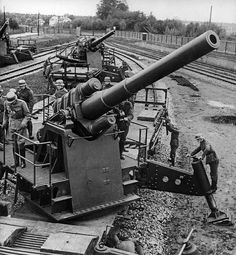 German artillery -150 mm rail guns getting ready to open fire at the Polish Army May 1940.