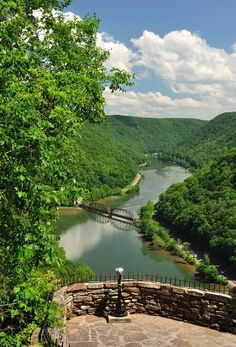 Sightseers may take in a world-famous view of the New River at Hawks Nest State Park at Ansted, West Virginia, in the New River Gorge Region. State Parks, Wv State, West Virginia Vacation, Harpers Ferry West Virginia, Virginia Usa, West Va, Mountain States, Mountain View, All Nature