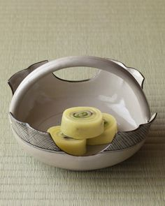 Japanese confectioneries -wagashi- on pottery bowl from Edo era (1603~1867)