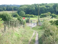 Bridleway crossing of the North Downs line