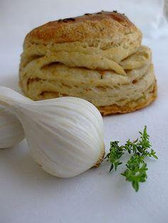 Víkendový dom: Škvarkové pagáče. Slovak Recipes, Czech Recipes, Russian Recipes, Bread Recipes, Cooking Recipes, Turkey Cake, Mini Foods, Sweet And Salty, Food 52