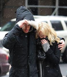 See, look: They just want to keep each other warm and it's sooooo sweet. | 21 Reasons Why Andrew Garfield And Emma Stone Were The Cutest Couple Of 2013