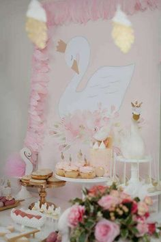 Swan Party by Little Big Company | CatchMyParty.com