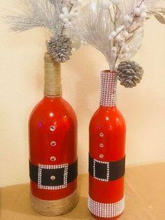 27 DIY Snowman Christmas Decorations Ideas Easy Made - Smart Women Life Glass Bottle Crafts, Wine Bottle Art, Painted Wine Bottles, Lighted Wine Bottles, Diy Bottle, Bottles And Jars, Decorated Bottles, Wine Glass, Perfume Bottles