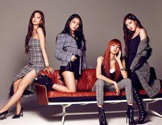 lisa, blackpink, and rose resmi Kpop Girl Groups, Korean Girl Groups, Kpop Girls, Blackpink Lisa, Kim Jennie, Blackpink Fashion, Korean Fashion, Fashion News, Yg Entertainment