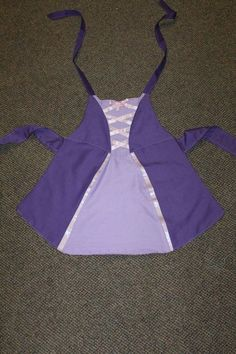 Dress-Up Princess Aprons - tutorial! I think this is my favourite for the school dress up box.