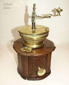 flandre - exceptionnel moulin à café de mariage vers 1800