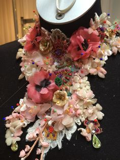 Hillenius Couture Jewelry Neckless Flowers