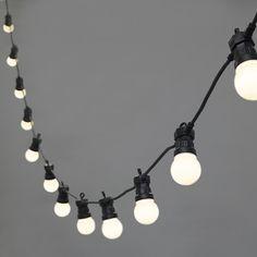 Guirlande Guinguette Raccordable 20 Globes LED Blanc Chaud | Lights4fun.fr