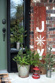 Learn how to make this super festive rustic JOY Christmas porch sign in minutes with stencils, including a snowflake replacing the O! With Funky Junk's Old Sign Stencils Flocked Christmas Trees, Christmas Porch, Rustic Christmas, Christmas Crafts, Christmas Decorations, Xmas, Outdoor Christmas, Christmas Stuff, Christmas 2019