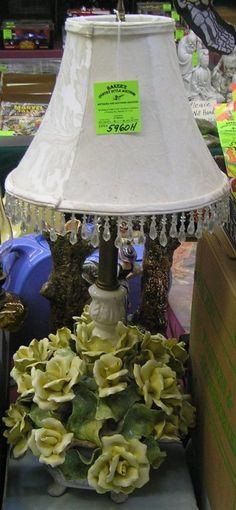 Vintage floral Capodimonte table lamp :