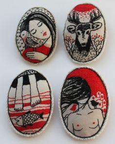 赤と黒の対比がオシャレ。モチーフもおしゃれ 。Embroidery by Nadya Sheremet