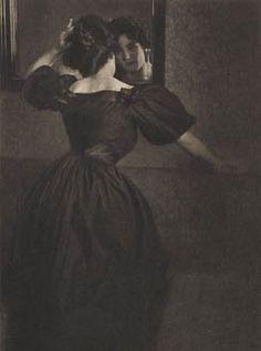 Heinrich Kuhn (1866-1944) / Girl with Mirror / Photogravure / Camera Work XIII, 1906