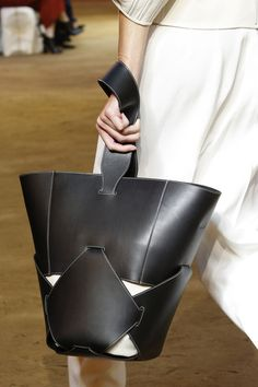 Céline Spring 2016 Ready-to-Wear Accessories Photos - Vogue
