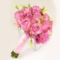 Buchet de mireasa/nasa doar la 123flori Nasa, Glass Vase, Bouquets, Plants, Roses, Bouquet, Pink, Bouquet Of Flowers, Rose