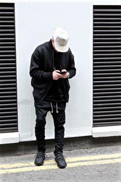 cocaine-nd-caviar:  eezyhq:  Fashion  Lifestyle  Music on Eezy...