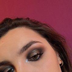 """Melody Barek on Instagram: """"Hello tout le monde !! 💜 comment vous allez ? 🌸  Voici mon maquillage du jour !! Simple et efficace pour rester belle en toute circonstance…"""" Voici, Simple, Makeup, Instagram, D Day, Make Up, Beauty Makeup, Bronzer Makeup"""