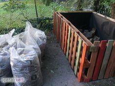 21_raklap_komposztalo_kerti_otletek Garden Beds, Canning, House, Home, Home Canning, Homes, Houses, Conservation