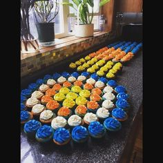 3 This is my personal favorite Nerf Birthday Cupcake Idea! I think i'm going to make it for my son's Nerf Birthday! vcmblog Boys Nerf Birthday Party Cake, Cupcake and Cookie Ideas