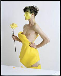 W Magazine April 2013 par Tim Walker  (Dior Haute Couture Spring 2013) - Tim Walker will always be my favorite photographer.