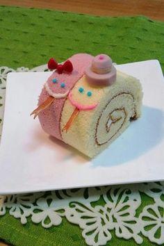 2013 snake    Roll cake