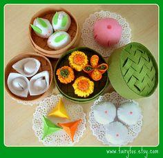felt pattern felt food pattern- Chinese sweets and steamer set Felt Food Patterns, Felt Cake, Felt Cupcakes, Felt Fruit, Felt Play Food, Pretend Food, Felting Tutorials, Free Tutorials, Fake Food