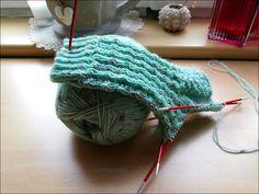 Retter in fast allen Lebenslagen – Fido Knitting, Strong Legs, Tricot, Breien, Weaving, Stricken, Crocheting, Yarns, Knitting Projects