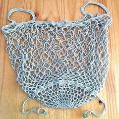 Crochet Handbags Vintage-style Pack-away Mesh Bag Crochet pattern by Little Conkers Bag Crochet, Crochet Shell Stitch, Crochet Market Bag, Crochet Handbags, Crochet Purses, Crochet Basics, Love Knitting, Knitting Patterns, Crochet Patterns