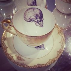 anatomical skull tea cup and saucer set Gothic House, My Tea, High Tea, Bone China, Cup And Saucer, Tea Time, Tea Party, Tea Cups, Sweet Home