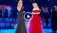 This Kelly Clarkson version of Silent Night featuring Trisha Yearwood and Reba McEntire will give you goosebumps. This is so beautiful, and these three ladies singing together are amazing. Favorite Christmas Songs, My Favorite Music, Music Articles, Feel Good Videos, Reba Mcentire, Trisha Yearwood, Amazing Songs, Christmas Music, Country Christmas