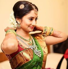 Bollywood Actress as Bridesmaids Indian Bridal Sarees, Indian Bridal Wear, South Indian Bride Saree, Indian Wear, Indian Attire, Indian Outfits, Indian Clothes, Kerala Wedding Photography, Candid Photography