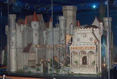 Colleen Moore's Doll House: Owned by silent movie actress Coleen Moore, the elaborate doll house is crafted in fine details and studded with gemstones. Not a house, but a castle, it features a miniature drawing room, great hall, chapel, library, princess's bathroom and bedroom, prince's bathroom and bedroom, the attic and a 'magic' garden.