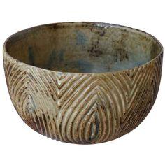 Axel Salto bowl by Axel Salto Ceramic Decor, Ceramic Clay, Pottery Designs, Pottery Ideas, Chinese Ceramics, Pottery Wheel, Sgraffito, Royal Copenhagen, Modern Ceramics