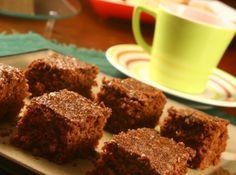 Receita de Bolo de Chocolate e Aveia - bolo bem docinho,fica semelhante ao brownie,adoro aveia e derivados....um sonho!!!! Receita fácil, rápida e deliciosa. Acrescentei nozes pecâs...