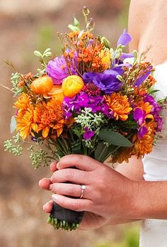 Highlight your fall wedding with a bold bridal bouquet bursting with seasonal colors. From rustic-inspired arrangements to more romantic mixes, a fall wedding bouquet is a must-have. Wedding Flower Photos, Fall Wedding Flowers, Autumn Wedding, Wedding Ideas, Trendy Wedding, Sunset Wedding, Orange Wedding, Wedding Vintage, Bridal Flowers
