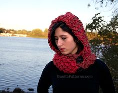 Crocodile Stitch Hooded Cowl #Crochet Pattern – @bonitapatterns