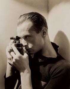 Una exposición en el parisino Centro Pompidou refleja la versatilidad del fotógrafo a través de sus obras menos conocidas