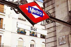 Metro-Sol - Madrid by Lola R., via Flickr