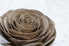 : DIY: How To Make Cabbage Roses Using Empty Toilet Tissue Tubes Paper Towel Roll Crafts, Toilet Paper Roll Art, Rolled Paper Art, Toilet Paper Roll Crafts, Paper Plate Crafts, Cardboard Crafts, Paper Plates, Flower Crafts, Diy Flowers