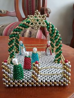 Beaded Christmas Ornaments, Christmas Crafts, Christmas Decorations, Pearl Crafts, Beaded Boxes, Beaded Cross, Beaded Animals, Peyote Beading, Bead Art