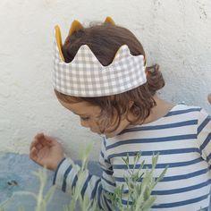 Fabric crown tutorial - part 1 at the blog: passinhoapassinho.wordpress.com #tutorial #diy #picopico #fabriccrown #patternmaking