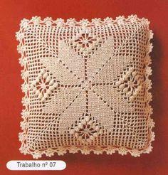 Cushion pillow in crochet Crochet Cushion Cover, Crochet Cushions, Crochet Quilt, Crochet Blocks, Crochet Pillow, Crochet Chart, Crochet Squares, Crochet Home, Crochet Granny